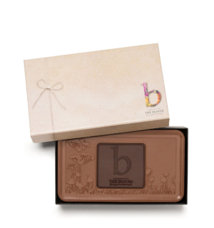 Corporate logo on chocolates: Custom wholesale candy bars