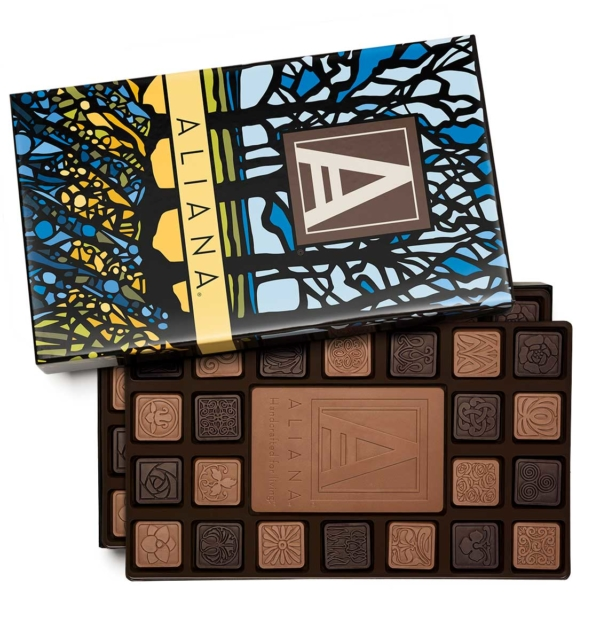 fully-custom-chocolate-3090-90-piece-ensemble-1