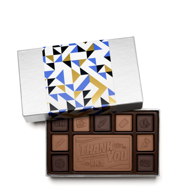 fully-custom-chocolate-3019-19-piece-ensemble-lyndex-sleeve