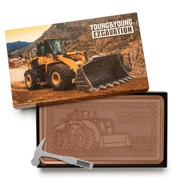 fully-custom-chocolate-1032-indulgent-bar-smashing-hammer-young