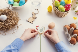 How to Decorate Chocolate Easter Eggs?